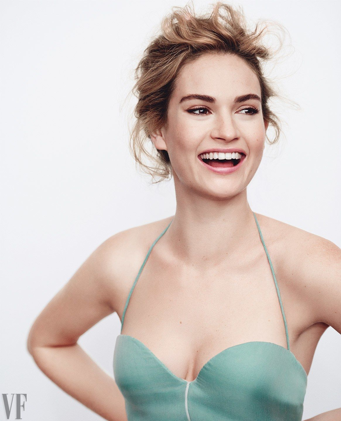 Celebrity Lily James naked (92 foto and video), Ass, Paparazzi, Feet, legs 2017