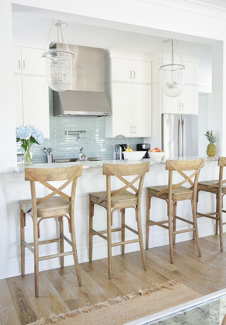 Merveilleux Beach House Kitchen Design Coastal Kitchen Decor How To Design A Beach  House Kitchen X Back Wooden Bar Stools Stainless Metal Vent Hood Aqua Glass  Subway ...