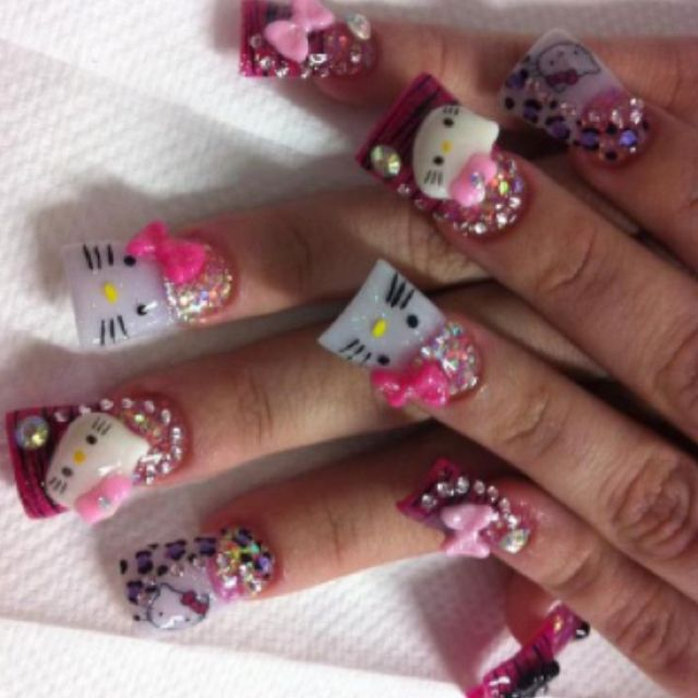Love the beautiful nails!!!