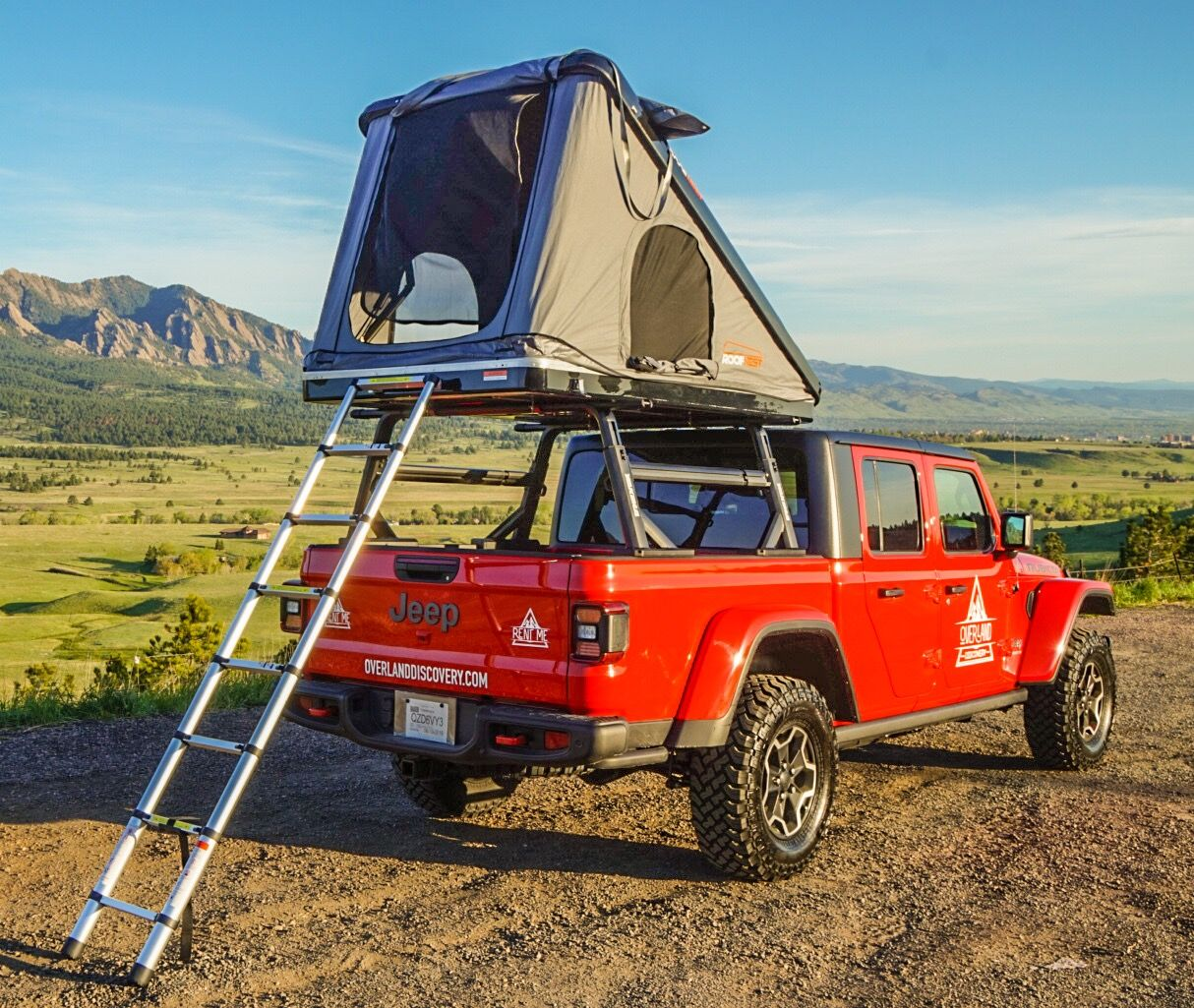 Jeep Gladiator Camper Overlanding Equipped With Rooftop Tent