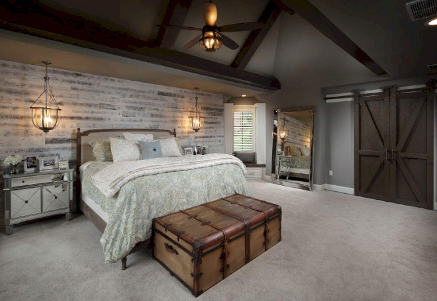 Comfy Farmhouse Bedroom Design Ideas 19