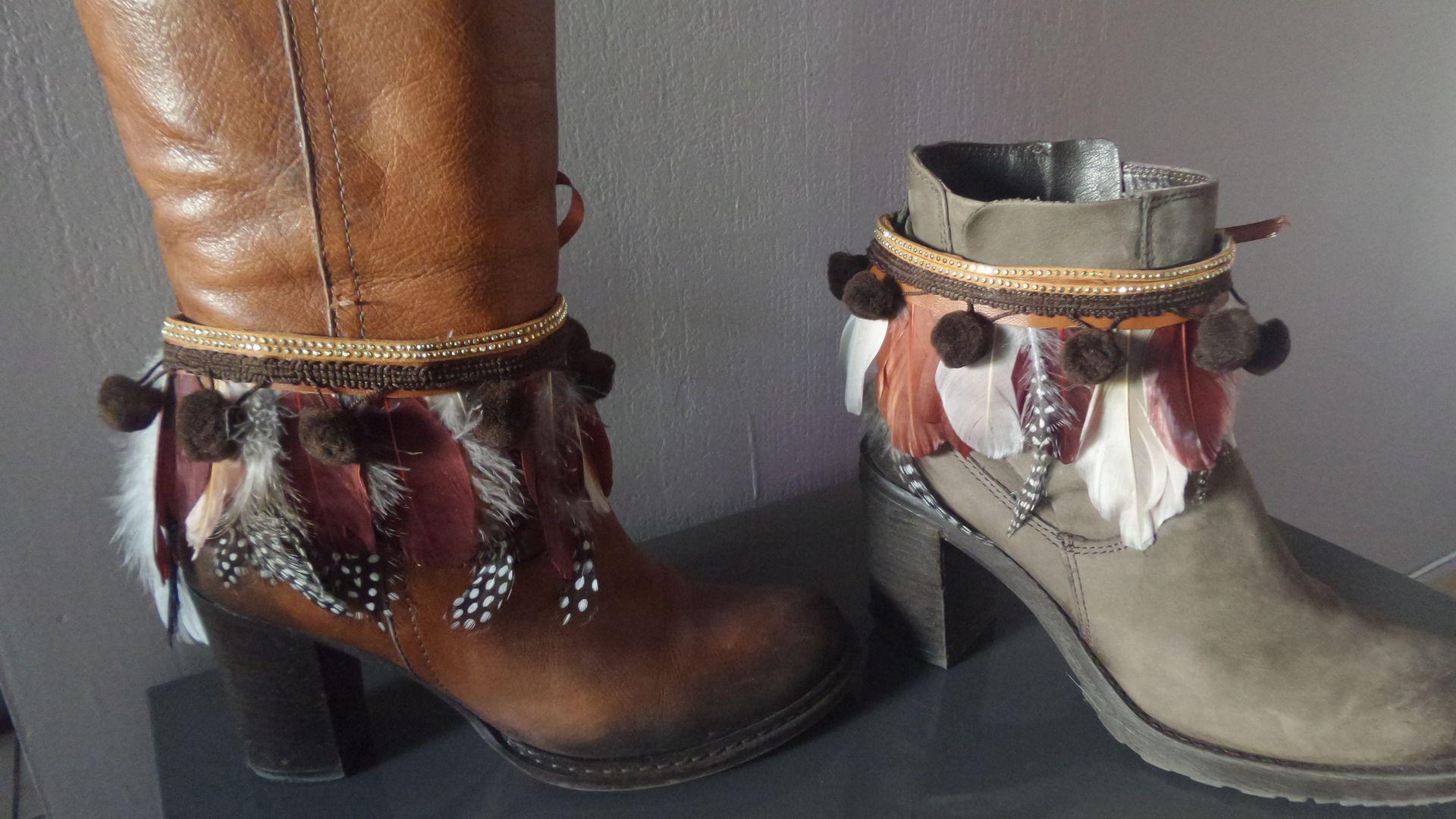 Accessoires bijoux de bottes , boots ou chapeau en plumes