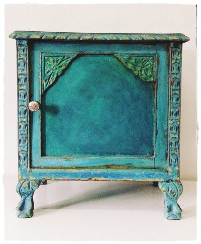 Lots Of Vibrant Chalk Paint® By Annie Sloan Colors: Florence, Provence,  Antibes Green, Napoleonic Blue, A Touch Of Graphite And Some English Yellow!
