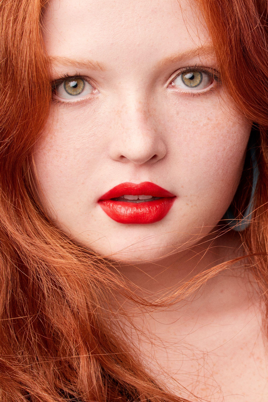 Powermatte Lip Pigment Bright lipstick, Red lips makeup