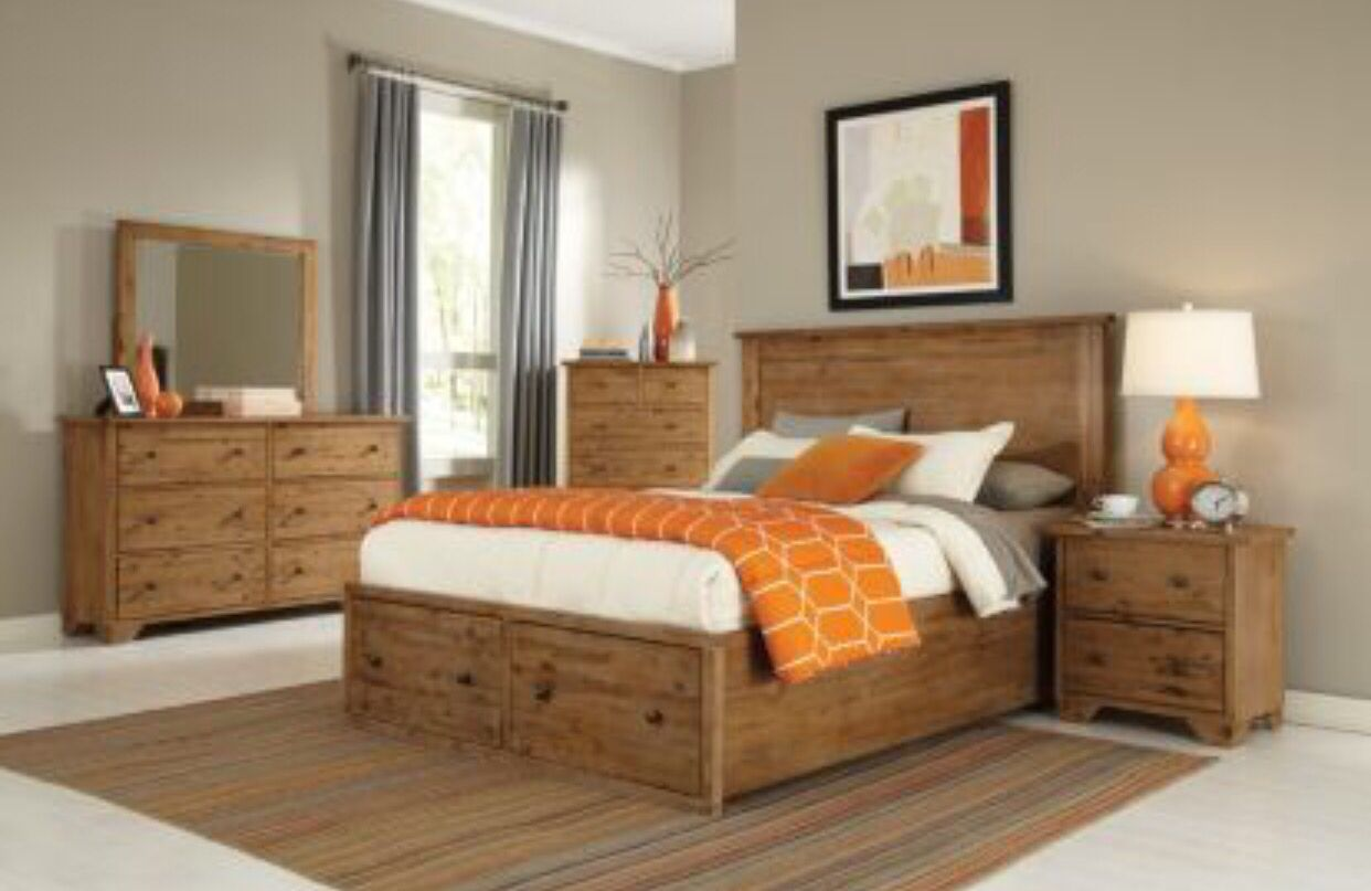 Distressed Wood Bedroom Set Maine Craftsman Annabella Collection Bedroom Furniture Inspiration Modern Bedroom Furniture Bedroom Design On A Budget