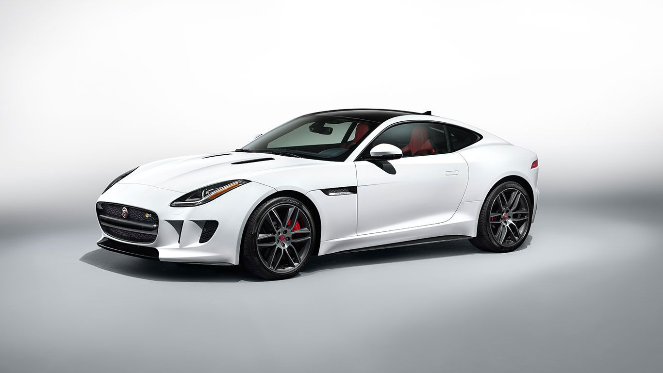 Jaguar F Type R With Optional Panoramic Roof Black Pack And 20 Gyrodyne Dark Grey And Diamond Turned Wheels Jaguar F Type Jaguar Jaguar Car