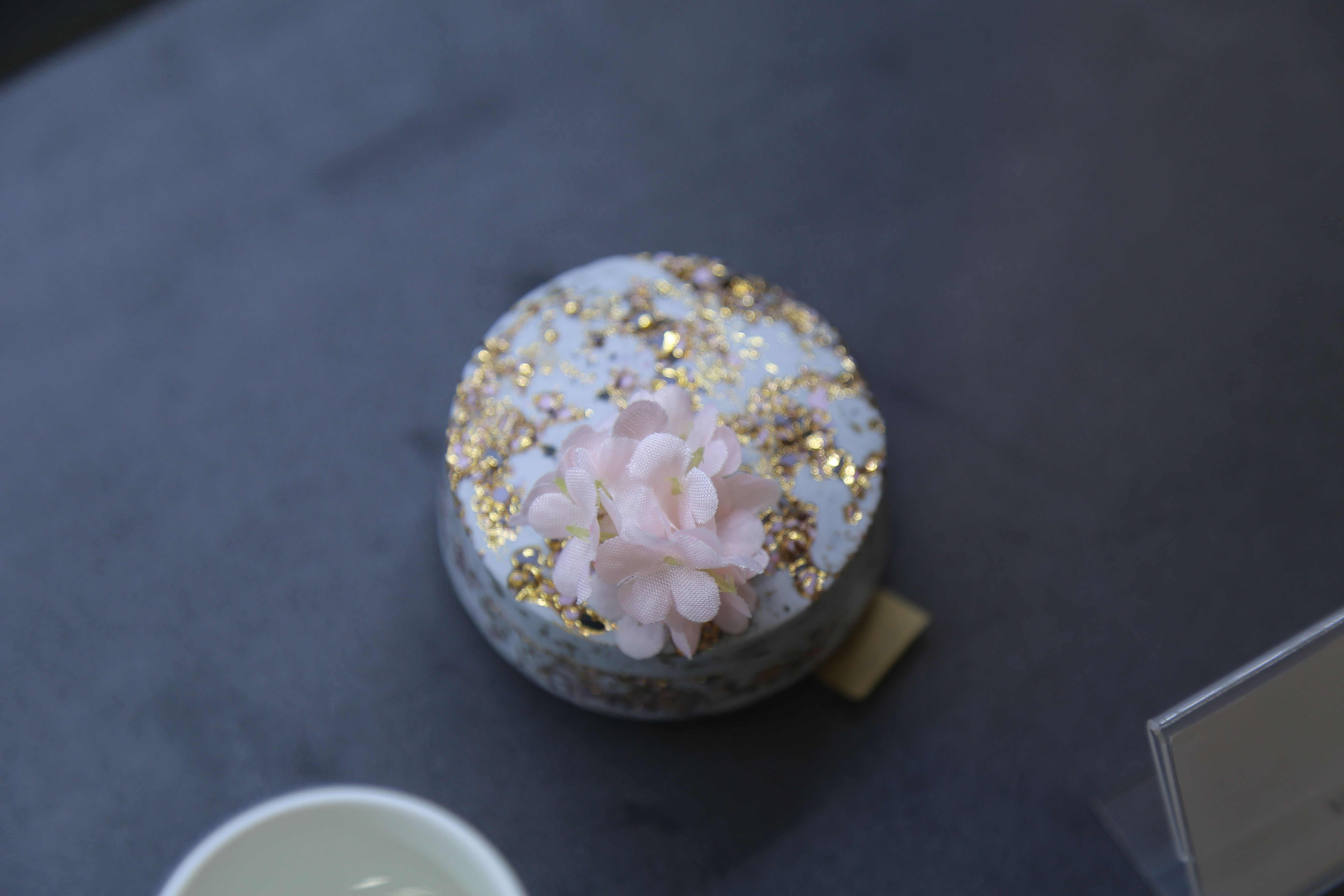 양지운(Ji-Woon Yang), 세라스톤 다화꽂이(Cera-stone Vase)