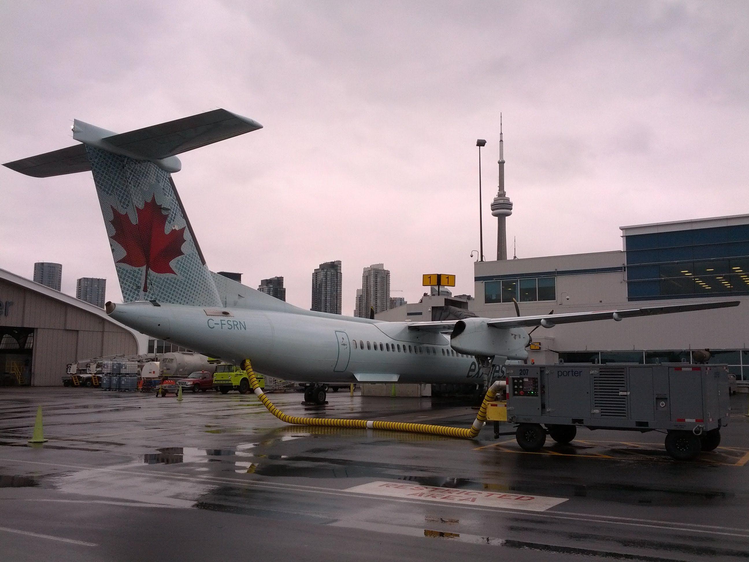 Cockpit view visual Approach Toronto City CYTZ Air
