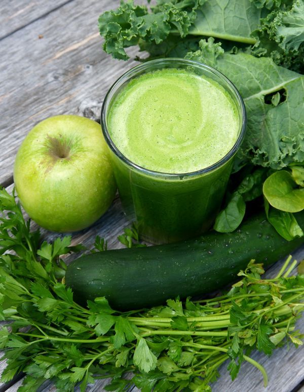 Sunday Squeeze Nothing But Greens Juice Green Juice Kale Juice Recipes Healthy Juice Recipes