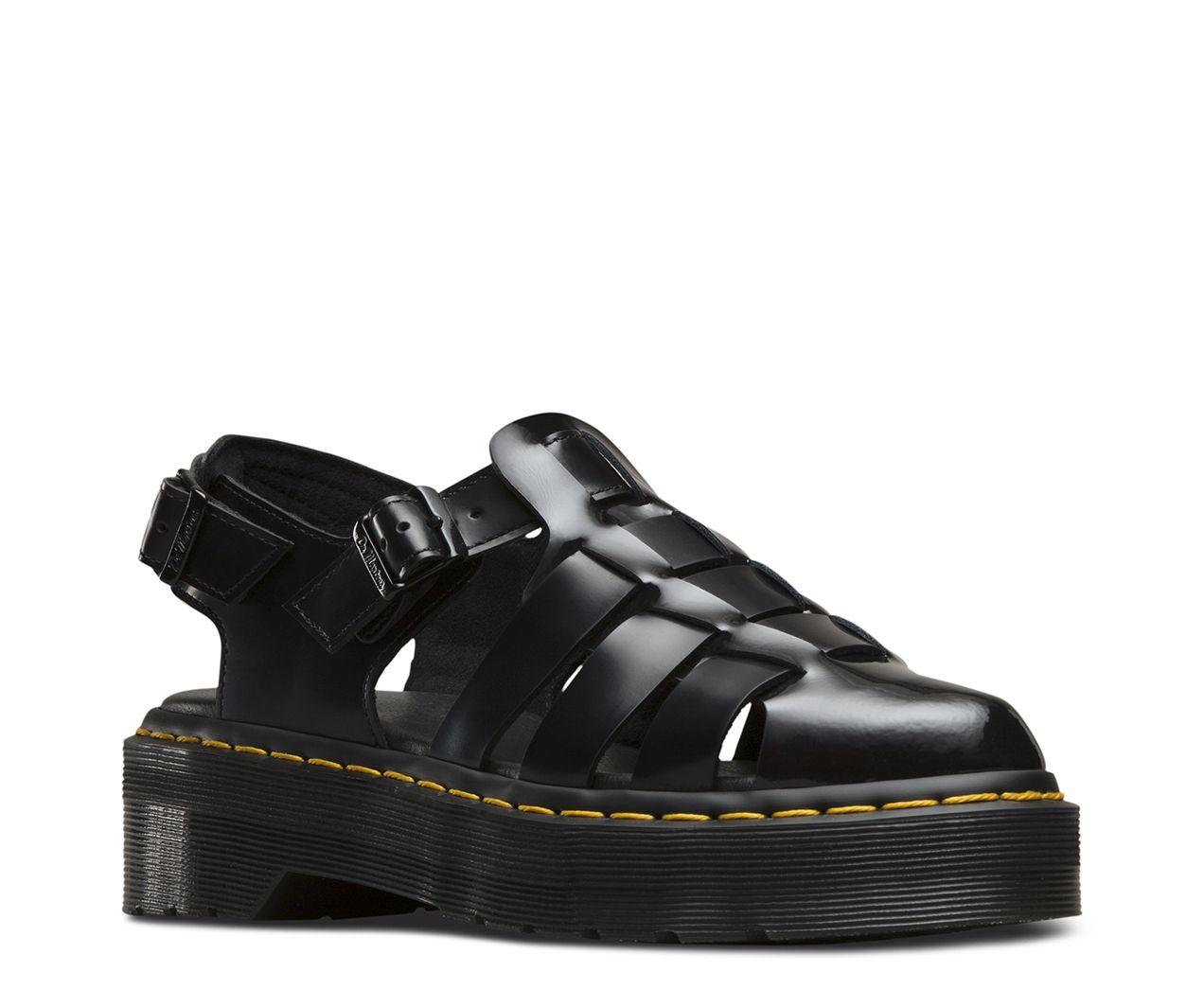 ddf4d550a3fbc3 Les sandales pour femme Oriana surfent grave sur la mode des années 1990.  Les Oriana envoient un max de style avec leurs semelles compensées super  épaisses ...