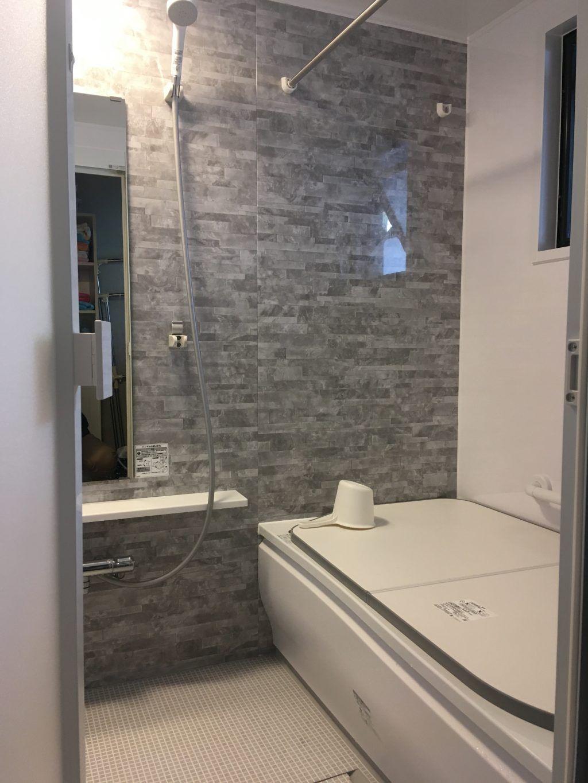 Totoひろがるwg Tタイプ Lixilアメージュza 施工事例 現代的なバスルーム お風呂 インテリア 浴室 インテリア