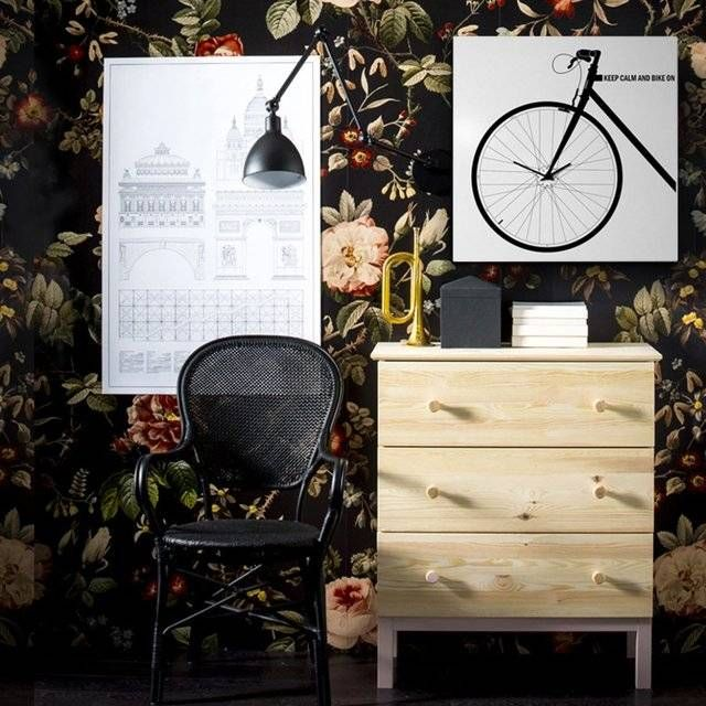 Poster-Like Bicycle Clock // 10 MOST Creative Clocks That You've Never Seen