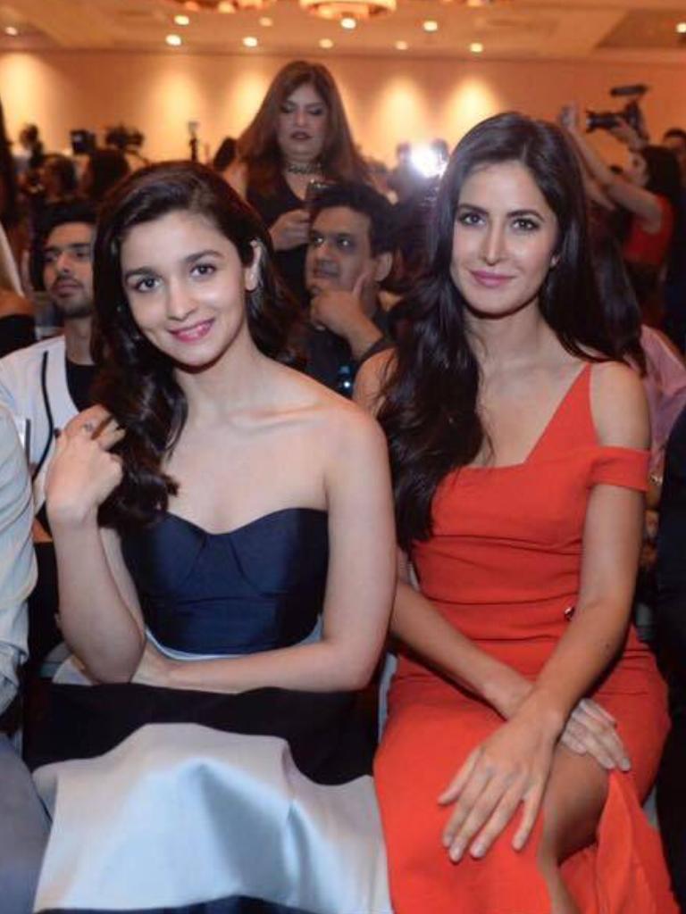 Katrina Kaif With Alia Bhatt At Iifa Press Conference Bollywood Celebrities Bollywood Actress Celebs