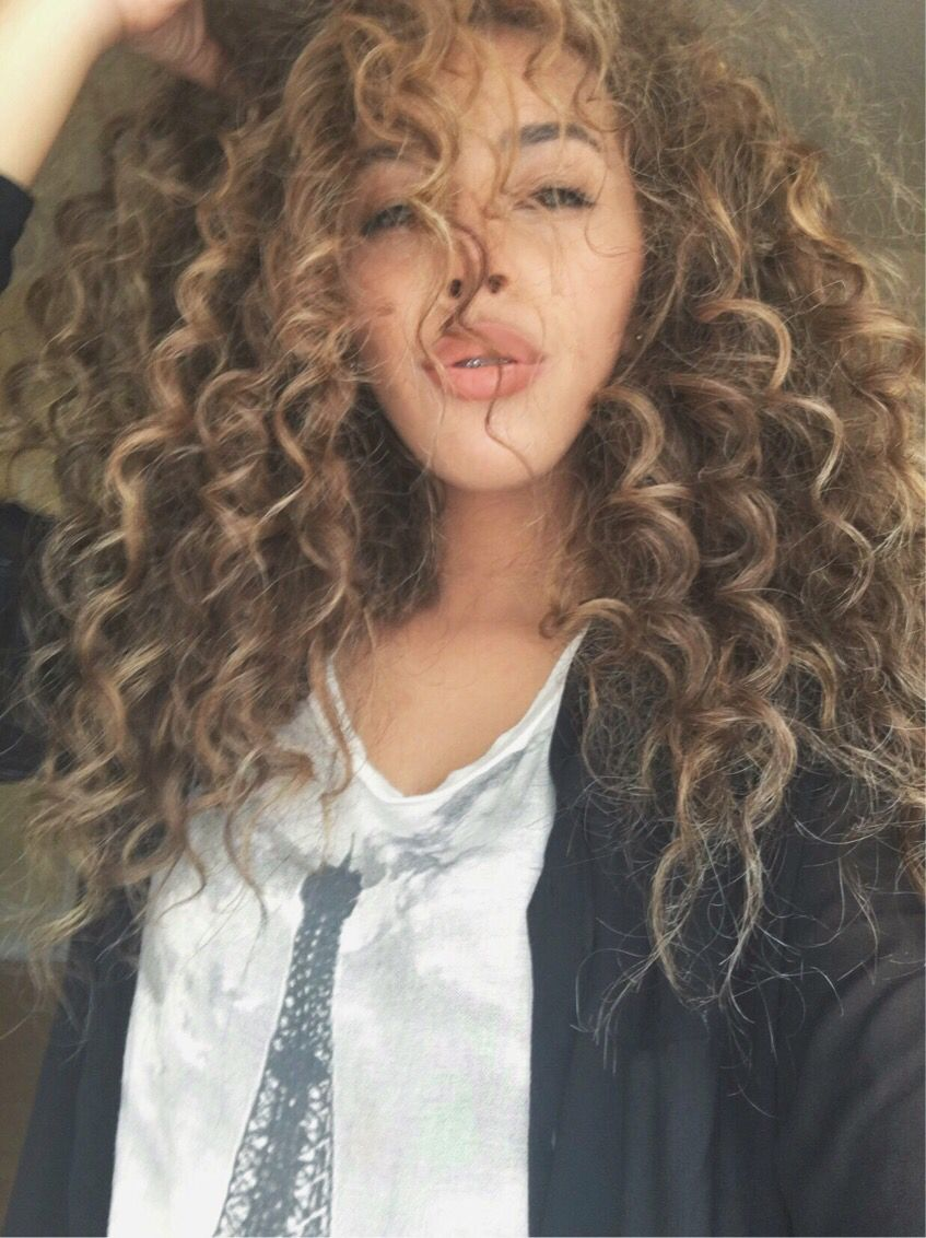 Natural Curly Hair Blonde Highlights Colored Curly Hair Blonde Highlights Hair Color Highlights