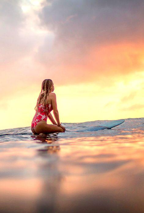 All Around The World Pretty Girls Blondie Beach Girl