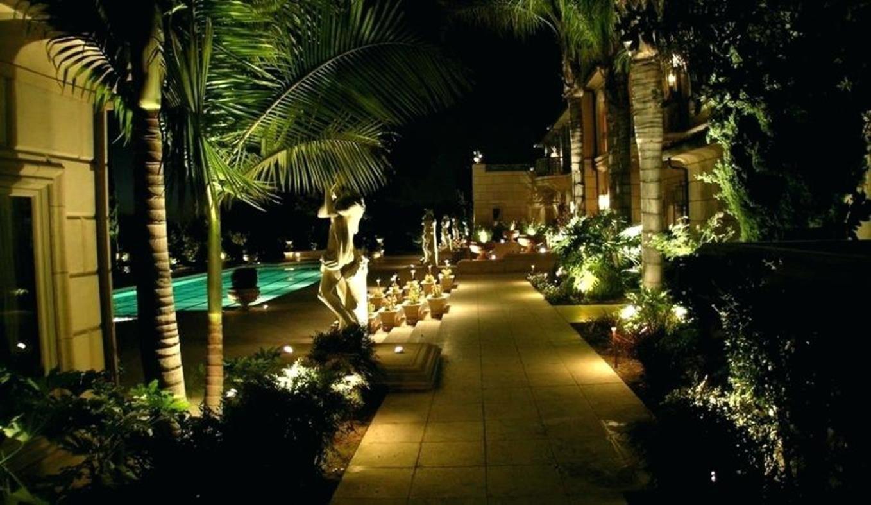33 Perfect Walkway Landscape Lighting Ideas Comedecor Landscape Lighting Kits Led Landscape Lighting Outdoor Lighting