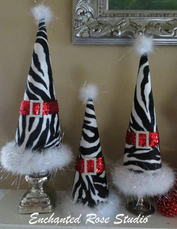 Aprende como hacer conos resistentes de cart n y usalos for Decoraciones navidenas faciles de hacer