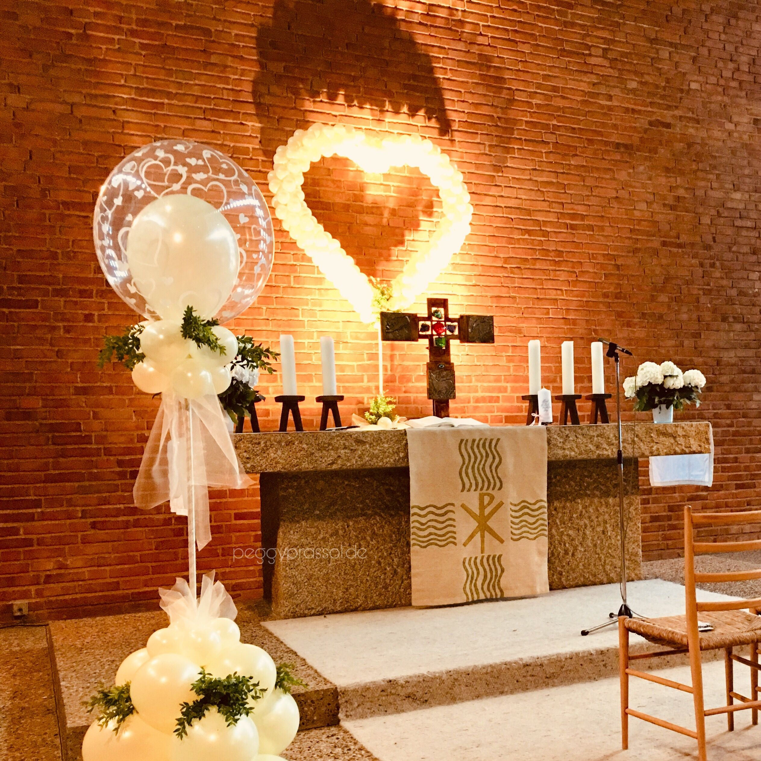 Ballondekoration Zur Kirchlichen Trauung Hochzeitsgottesdienst Hochzeit Just Married Kirchendeko I Ballon Dekoration Kirchliche Trauung Hochzeit Deko