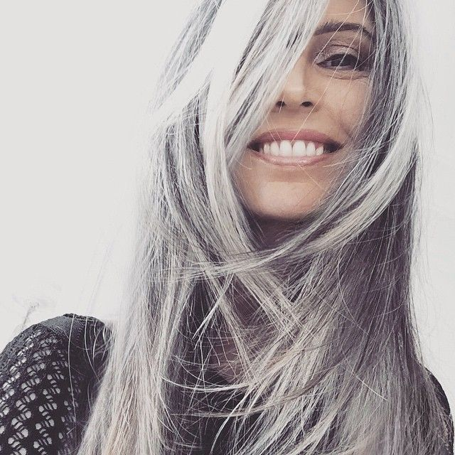 pingl par ma couleur de cheveux sur blanc cheveux blancs cendr s gris en 2019 pinterest. Black Bedroom Furniture Sets. Home Design Ideas