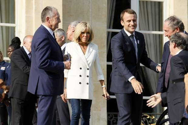 Le couple Macron accueille les vainqueurs de la Ligne des Champions