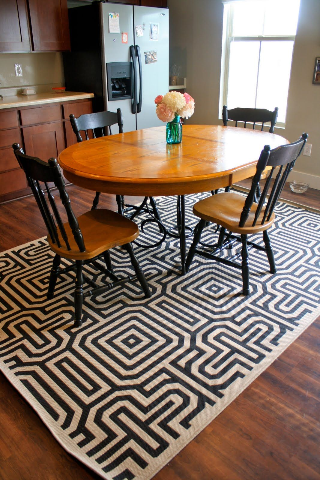 30 rugs that showcase their power under the dining table - Carpet Kitchen Decoration