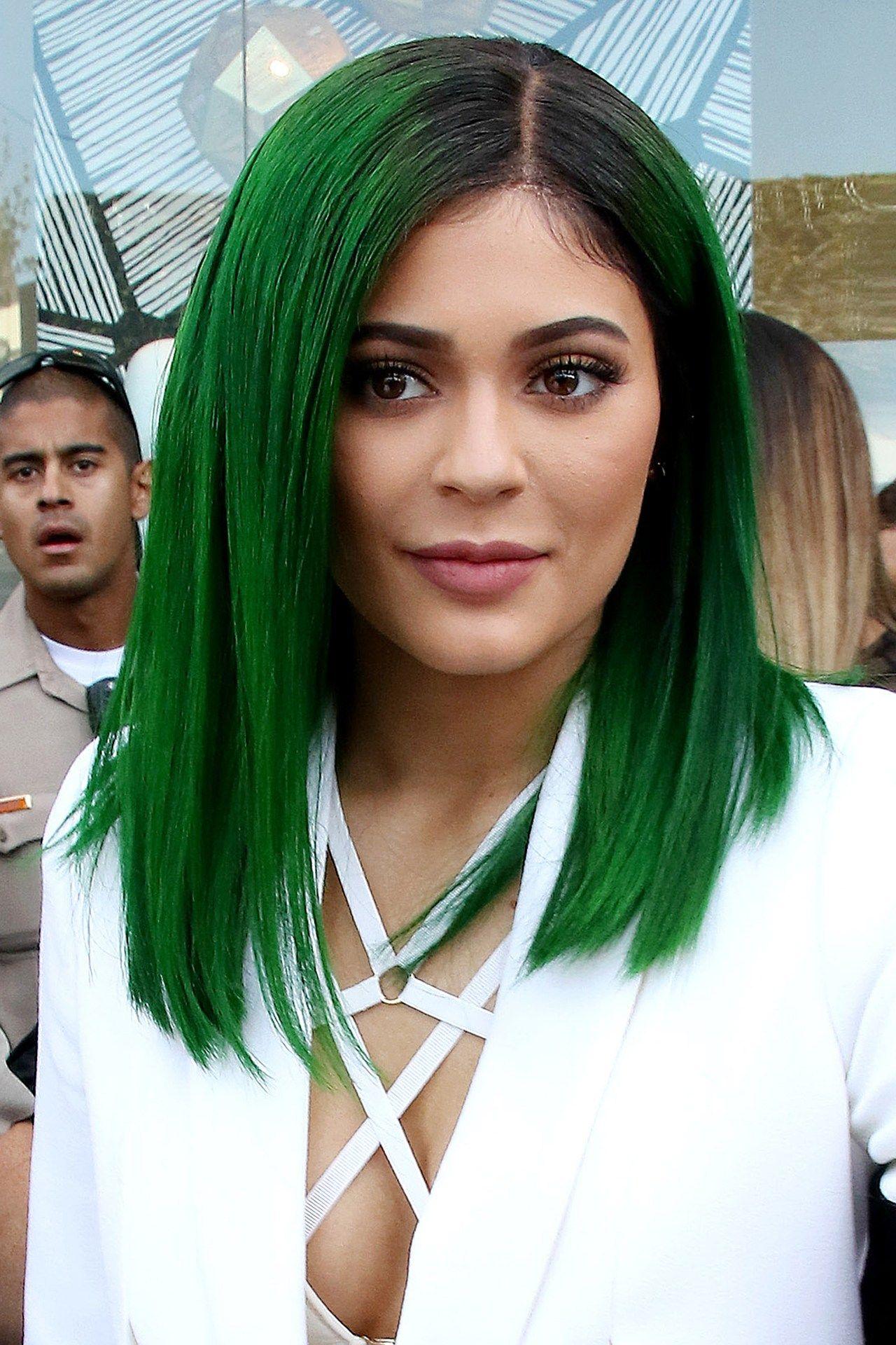 Kylie Jenners Lip Hit Hair Color Pinterest Kylie Jenner Lips