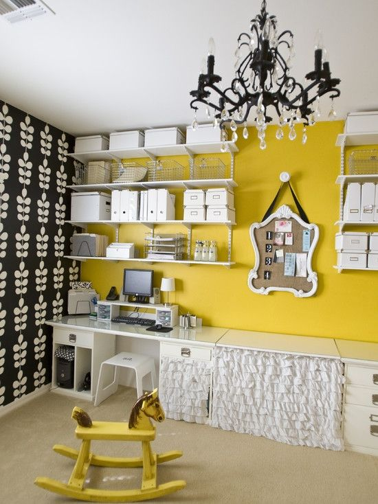 eclectic crafts room. Home Decor Eclectic Home-office. ホームオフィスのインテリアコーディネイト実例 Crafts Room