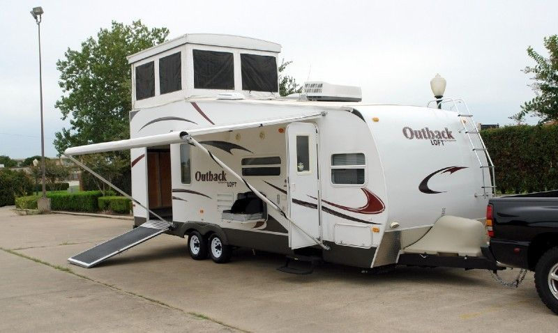 Travel groups rv rlb auto group 2009 keystone outback 27l travel trailer toy hauler for Rv with loft
