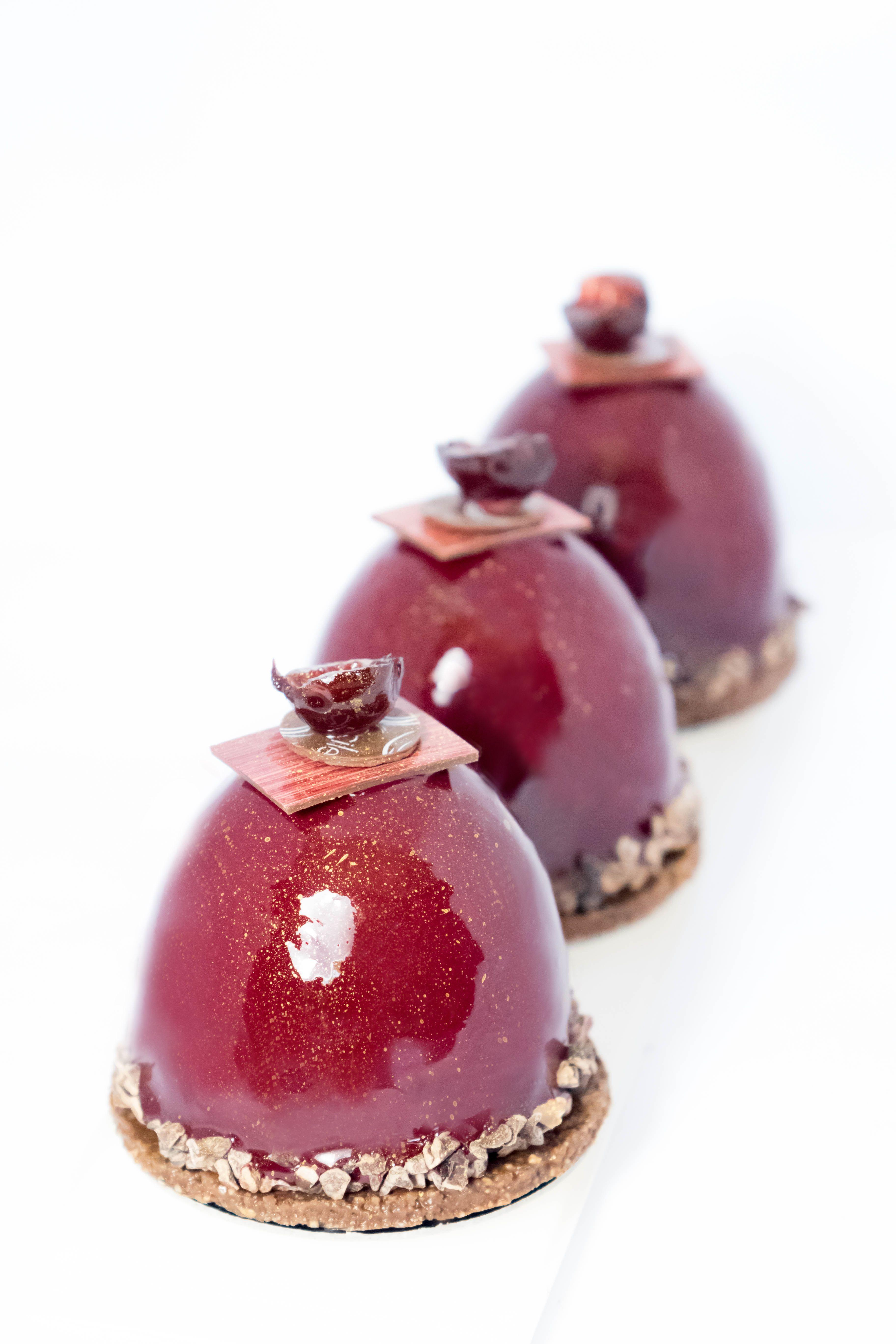 Petits g teaux chocolat griottes streusel chocolat for Miroir rouge