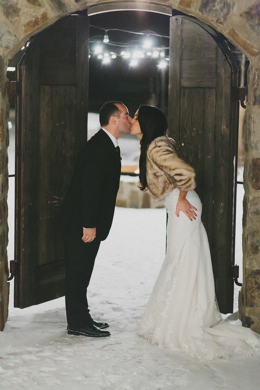 Seattle Wedding Photographer Suncadia Resort Winter Snowy