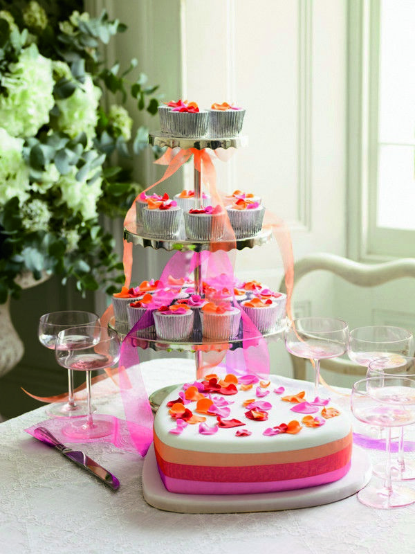 Another Pinner Got Me Nails Diddd I Love The Solid: Le Wedding Cakes Di Fiona Cairns