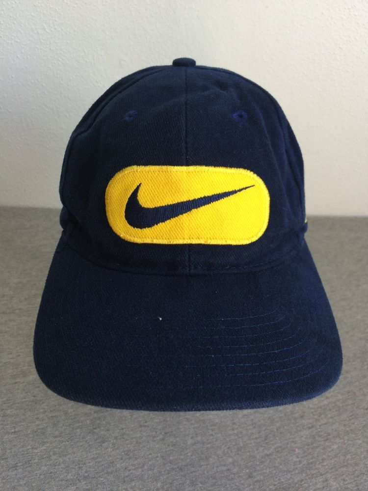 NIKE MICHIGAN Snap Back Hat 90 s Vintage TEAM SPORTS 100% Cotton Baseball  Cap  Nike  BaseballCap fb2cb2cd6532