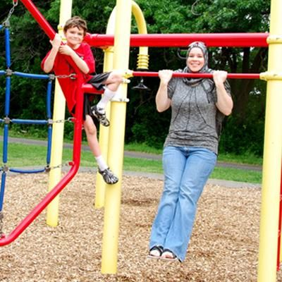 29 ways to workout at the park....next time we go friends we r doing this while our kids play ;)