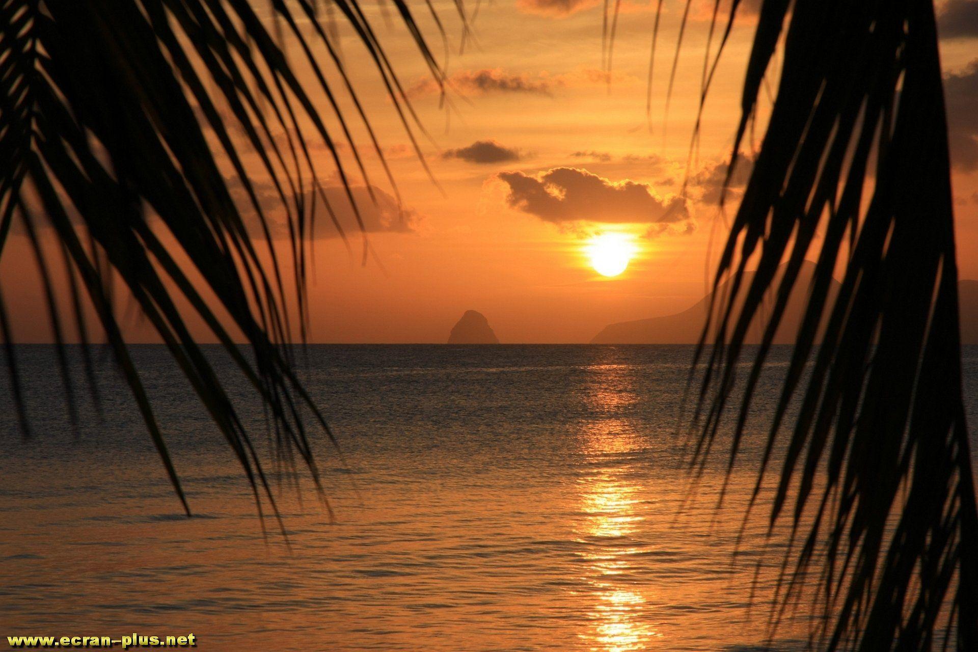 coucher de soleil sur la plage des