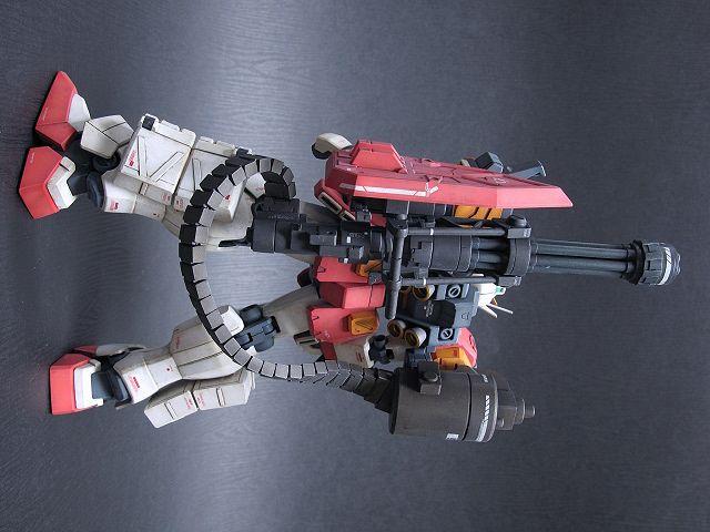 MG XXXG-01H ガンダムヘビーアームズ EW Released: 26 January 2012 – Price: 3,990 Yen Work by Banie (阿豪)