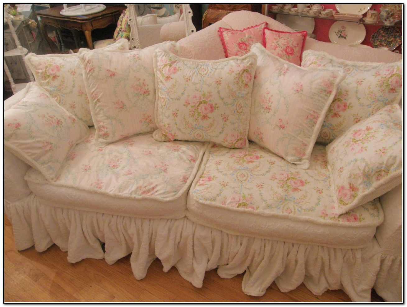 shabby chic sofa covers lady lilac pinterest shabby chic sofa rh pinterest com au shabby chic sofa covers shabby chic couch covers