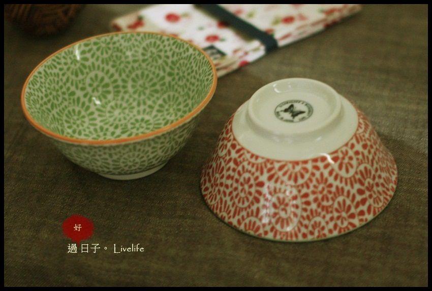 日式和風復古花碗系列,[蛸唐草/綠與橘色]飯碗,湯碗,拿鐵碗兩個一組~日本製 尺寸:H6.8×ø15cm /材質:陶磁  ★售價NT$580元