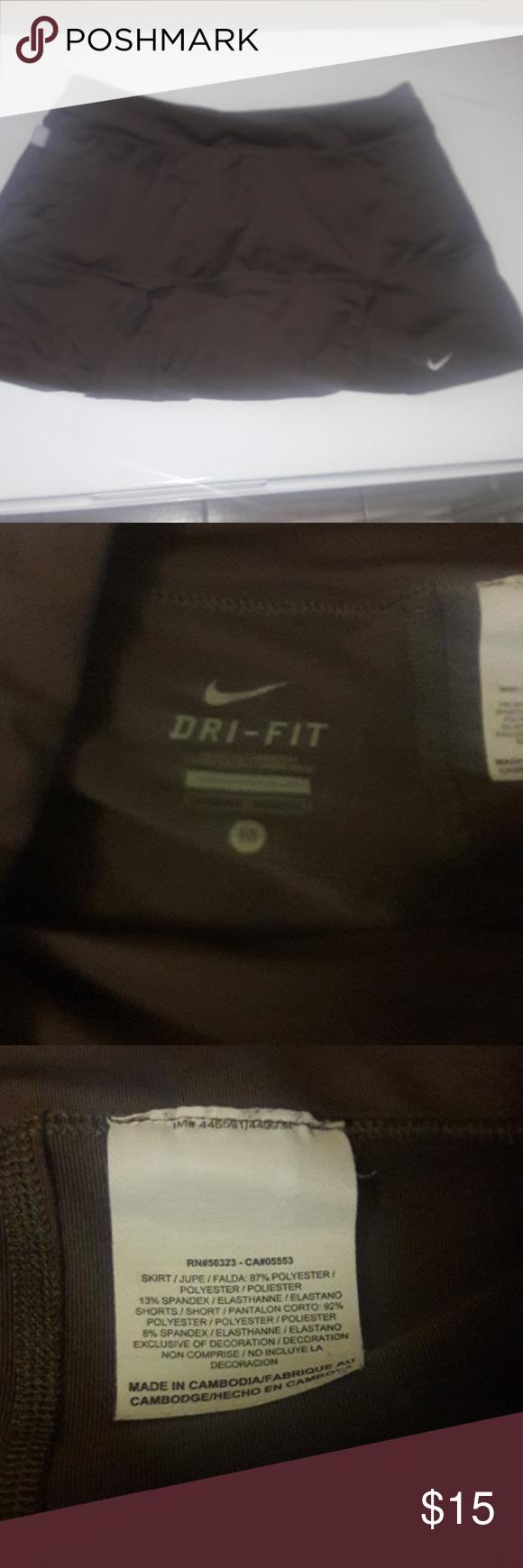 NIKE TENNIS SKIRT/ SPORT Excelent condition Nike Skirts