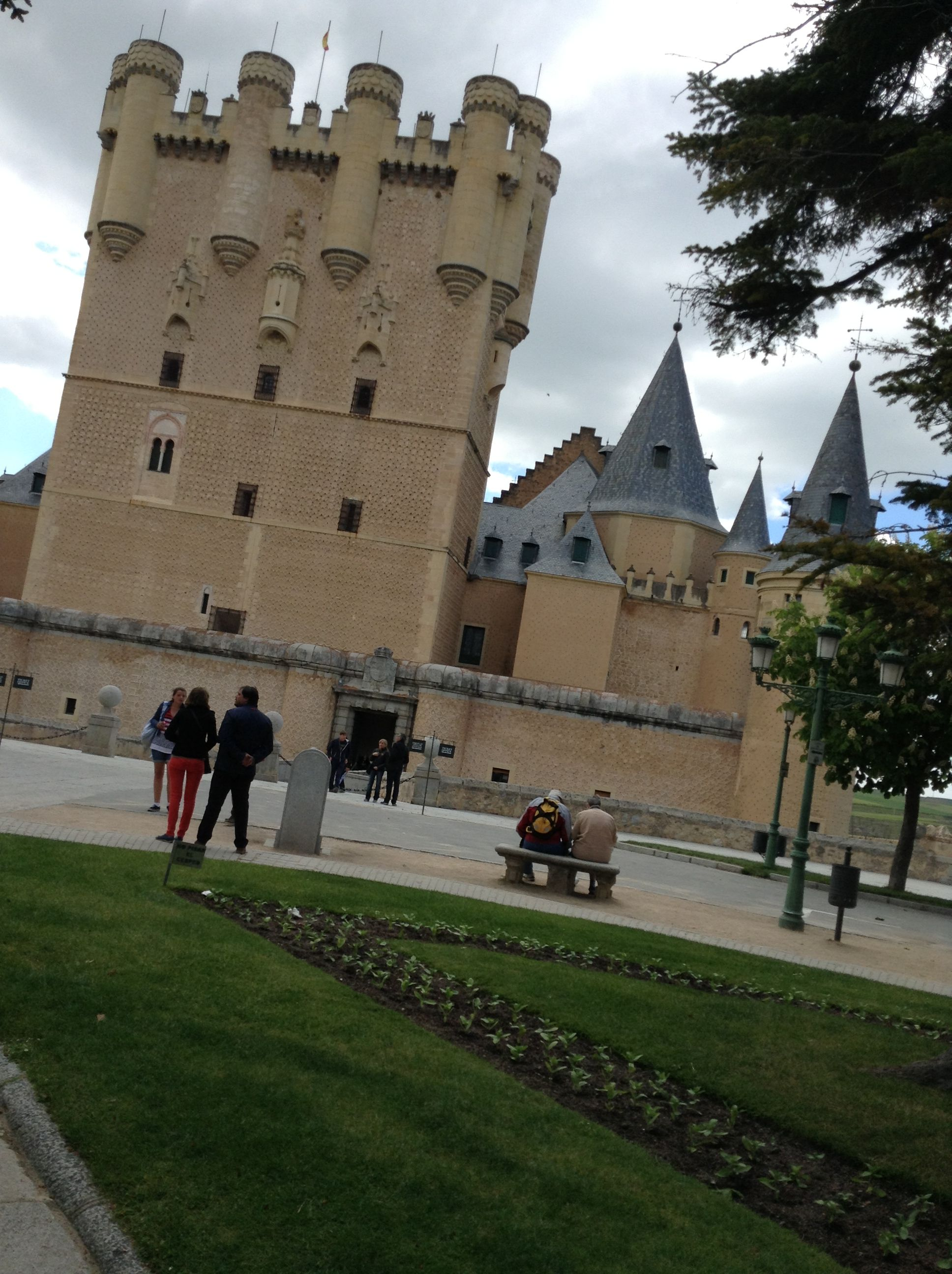 The castle that inspired Sleeping Beauties castle in Segovia. Can you see the resemblance ?
