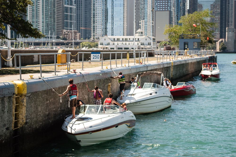 Choosing Your Perfect Chicago Boat Tour (With images