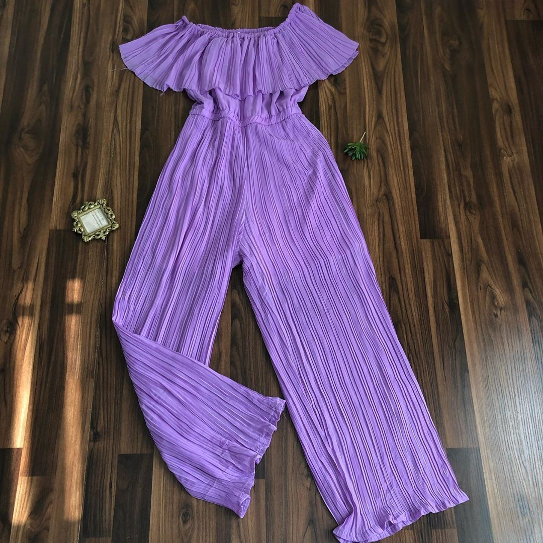 Jumpsuit available  size :none (fits uk 12 Price : N3500 Brand: none  Defect:'none  Dm or WhatsApp t...