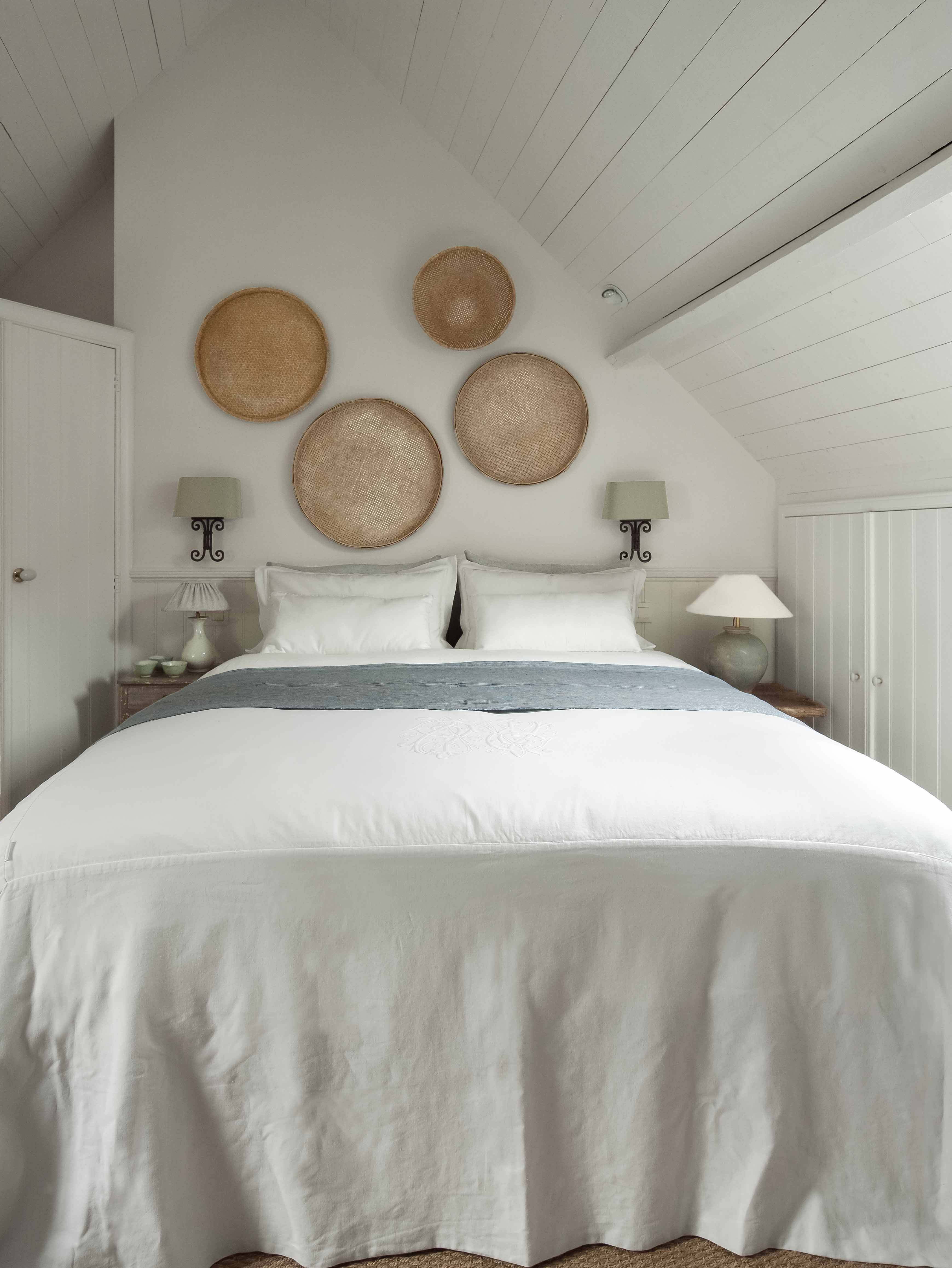 Bedroom at white rooms dormitorios pinterest white rooms