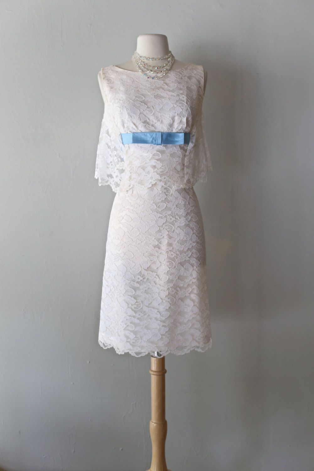 Vintage us white lace cocktail dress with blue bow vintage s