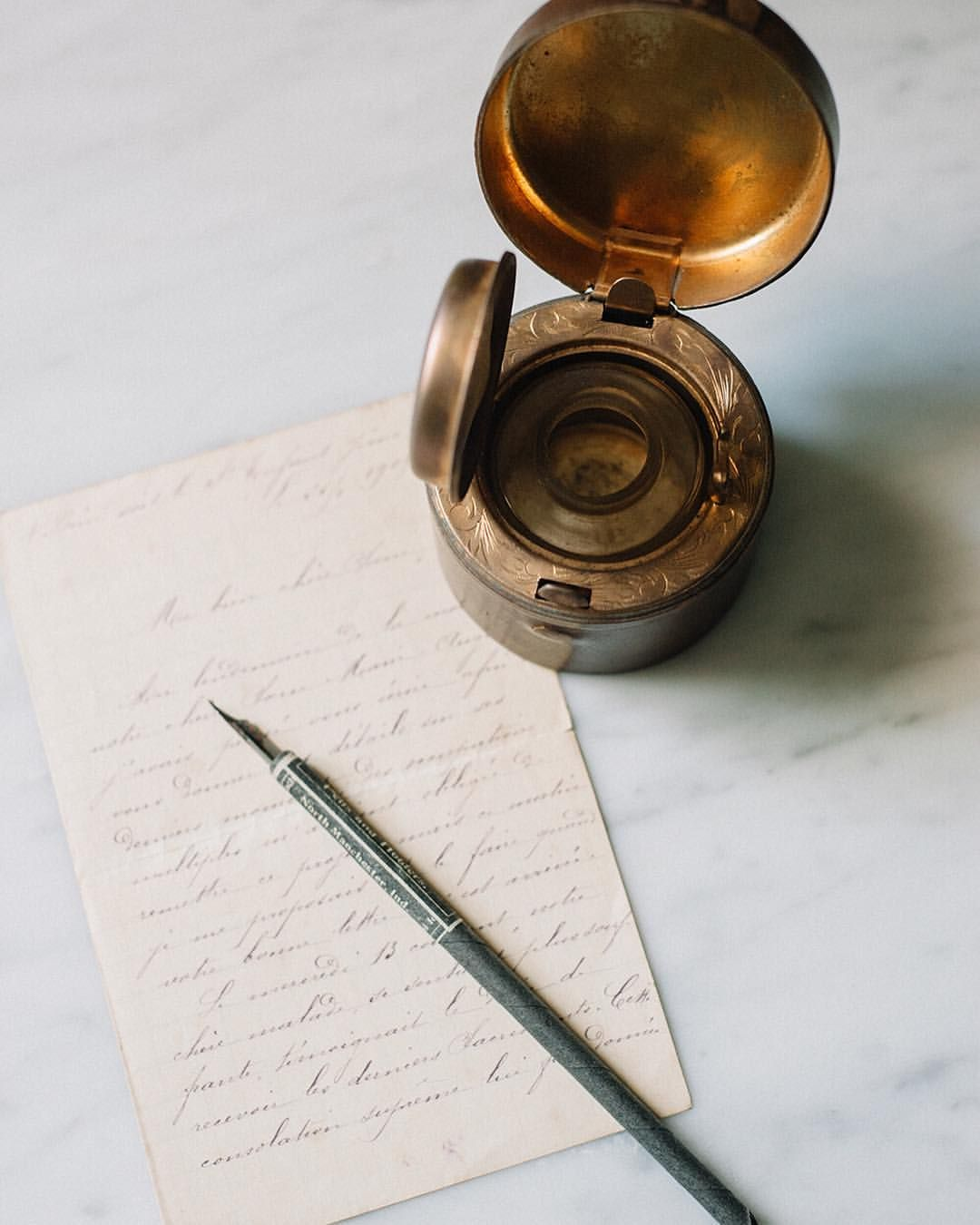 SAINT SIGNORA Letter writing, Writing tools, Stock imagery