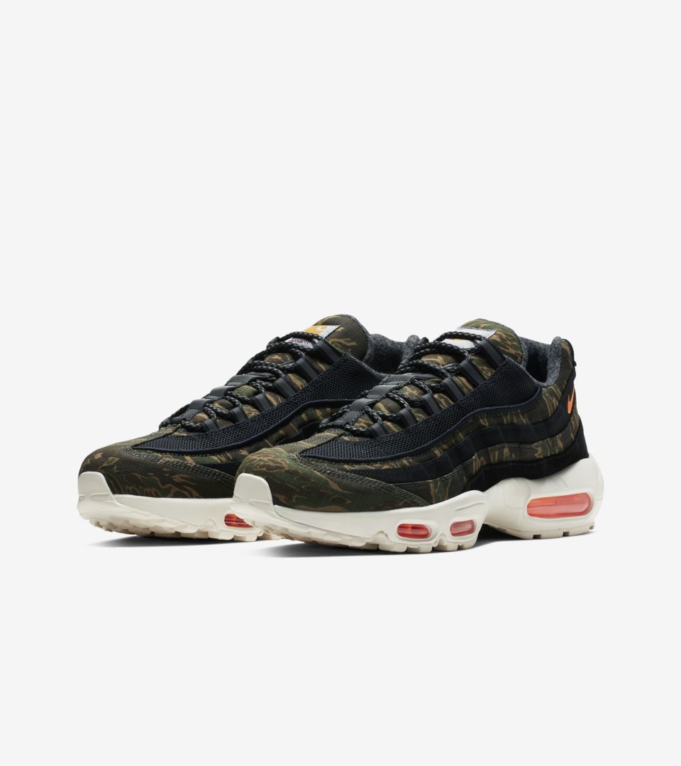Nike Air Max 95 Carhartt WIP  Black Sail   Total Orange   d4f35f14d