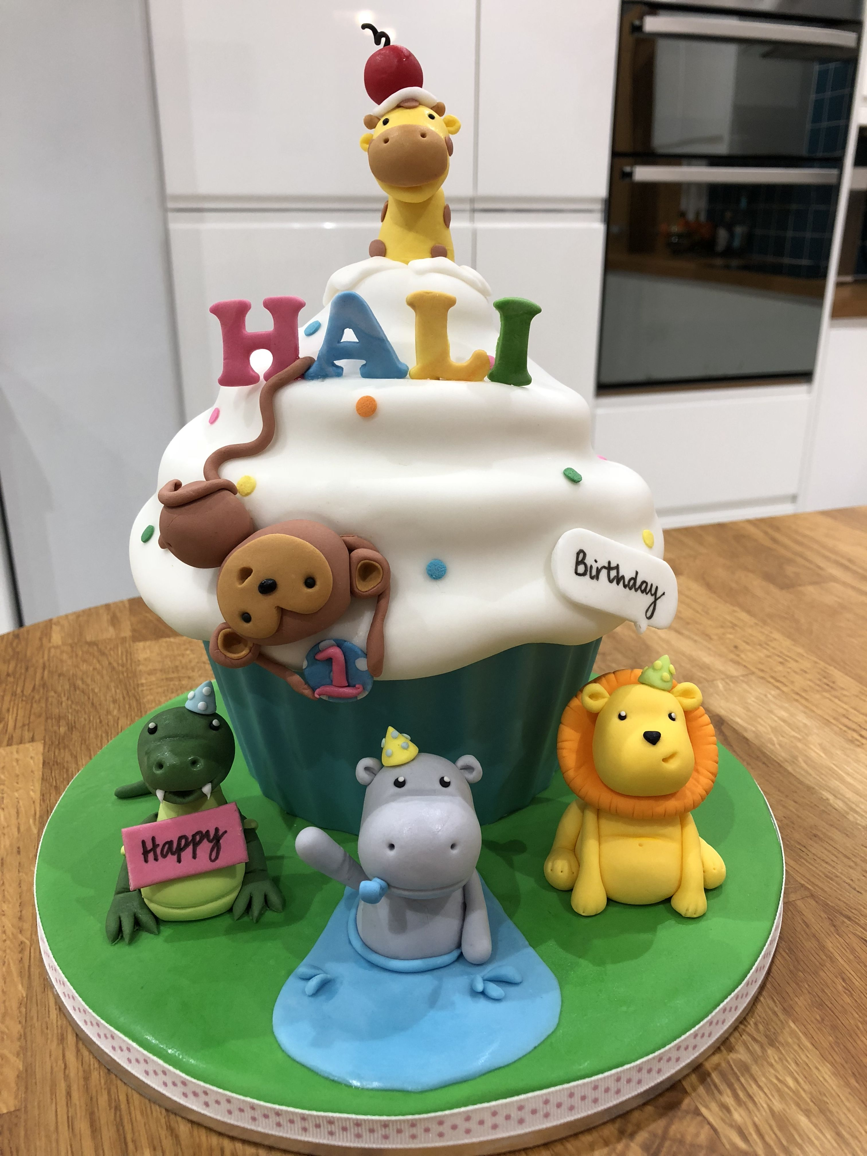 Giant Cupcake 1st Birthday My Cakes In 2018 Pinterest Giant