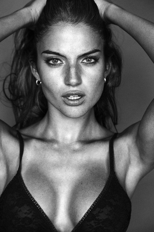 Celebrites Rafaella Consentino nude photos 2019
