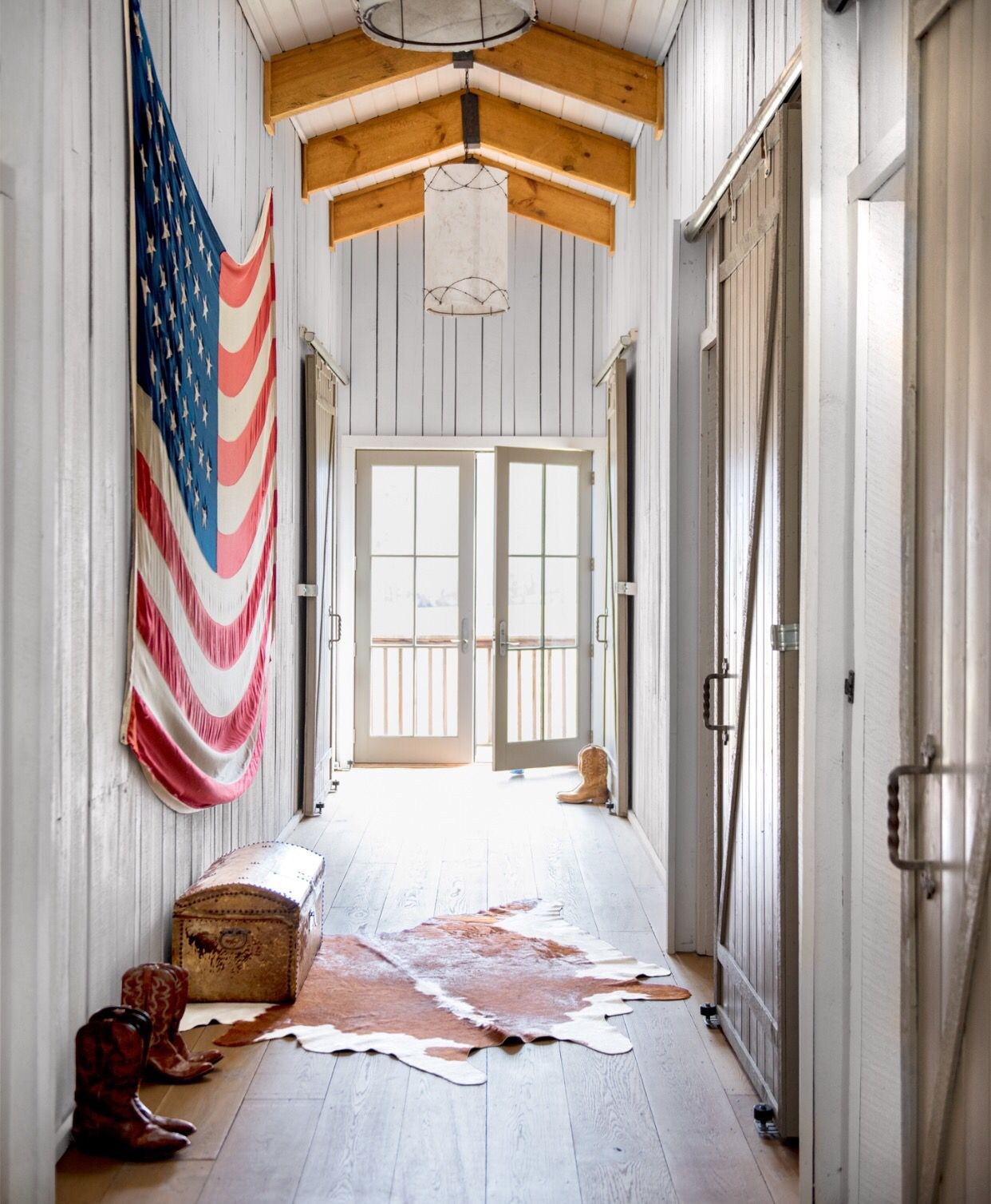 Inside Ronnie Dunn\'s home in Nashville, upstairs hallway | the crib ...