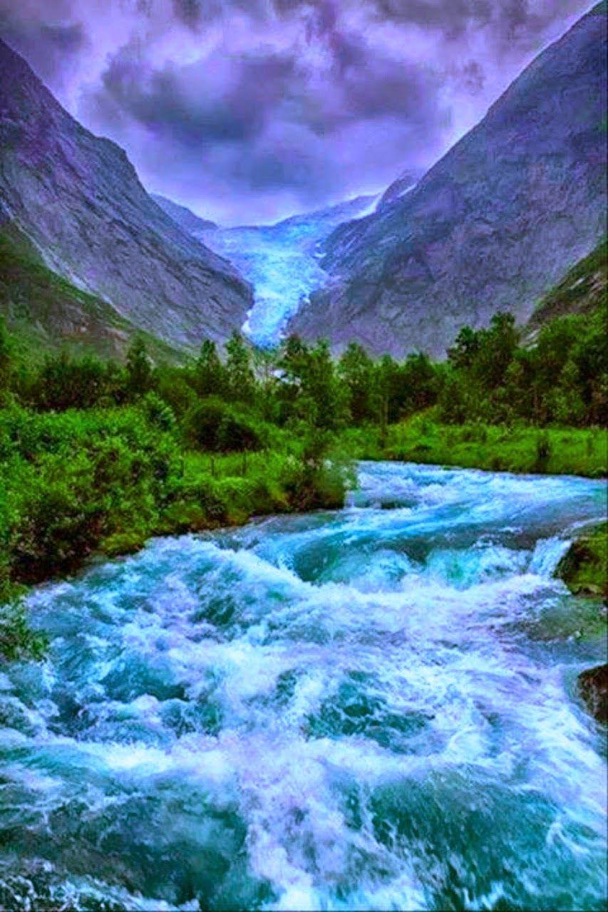 """"""" Tutti a dire della rabbia del fiume in piena, e nessuno della violenza degli argini che lo costringono."""" ( Bertolt Brecht )  http://seventhfloor-sev.blogspot.it/2014/06/argini.html#links"""