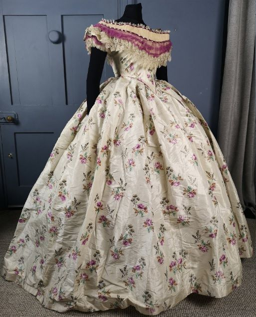 Magnificent Victorian Antique 1850s 1860s Warp Print Silk Floral Crinoline Ball Gown With B Victorian Ball Gowns Victorian Dress Gown Ball Gowns